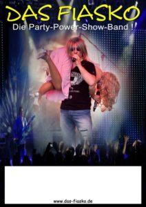Titelbild für Download Poster, Robert Geissen trägt Carmen über der Schulter