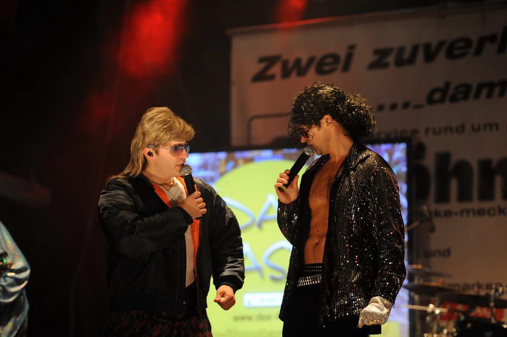 Beide Sänger als Michael Jackson und Mike Hansen verkleidet